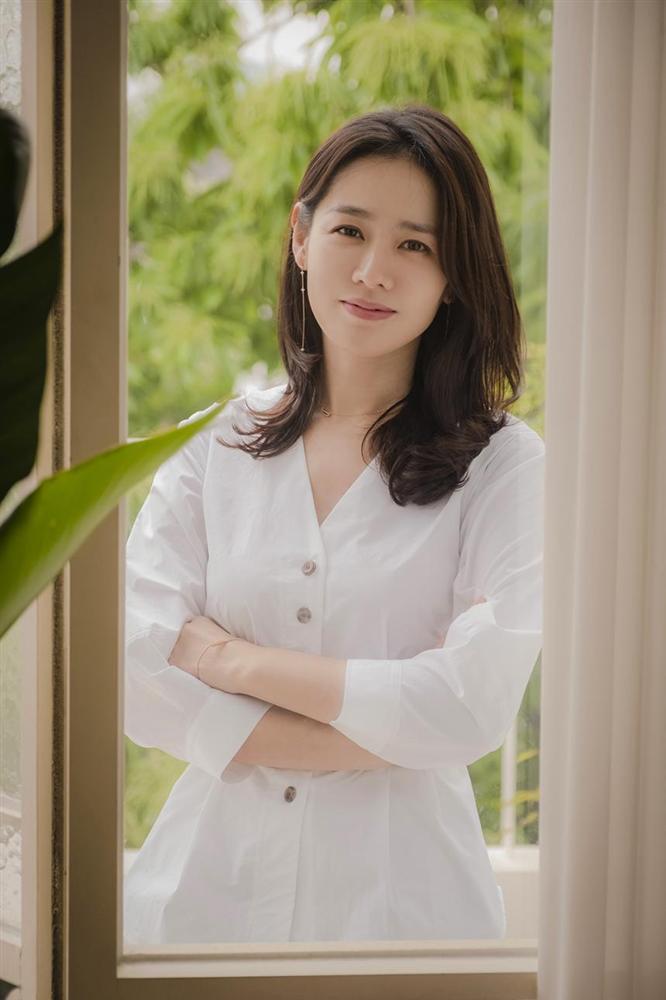 Hyun Bin nói về Son Ye Jin: Lần đầu gặp đã bị sự tinh tế của cô ấy chinh phục-2