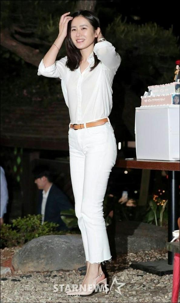 Hyun Bin nói về Son Ye Jin: Lần đầu gặp đã bị sự tinh tế của cô ấy chinh phục-9