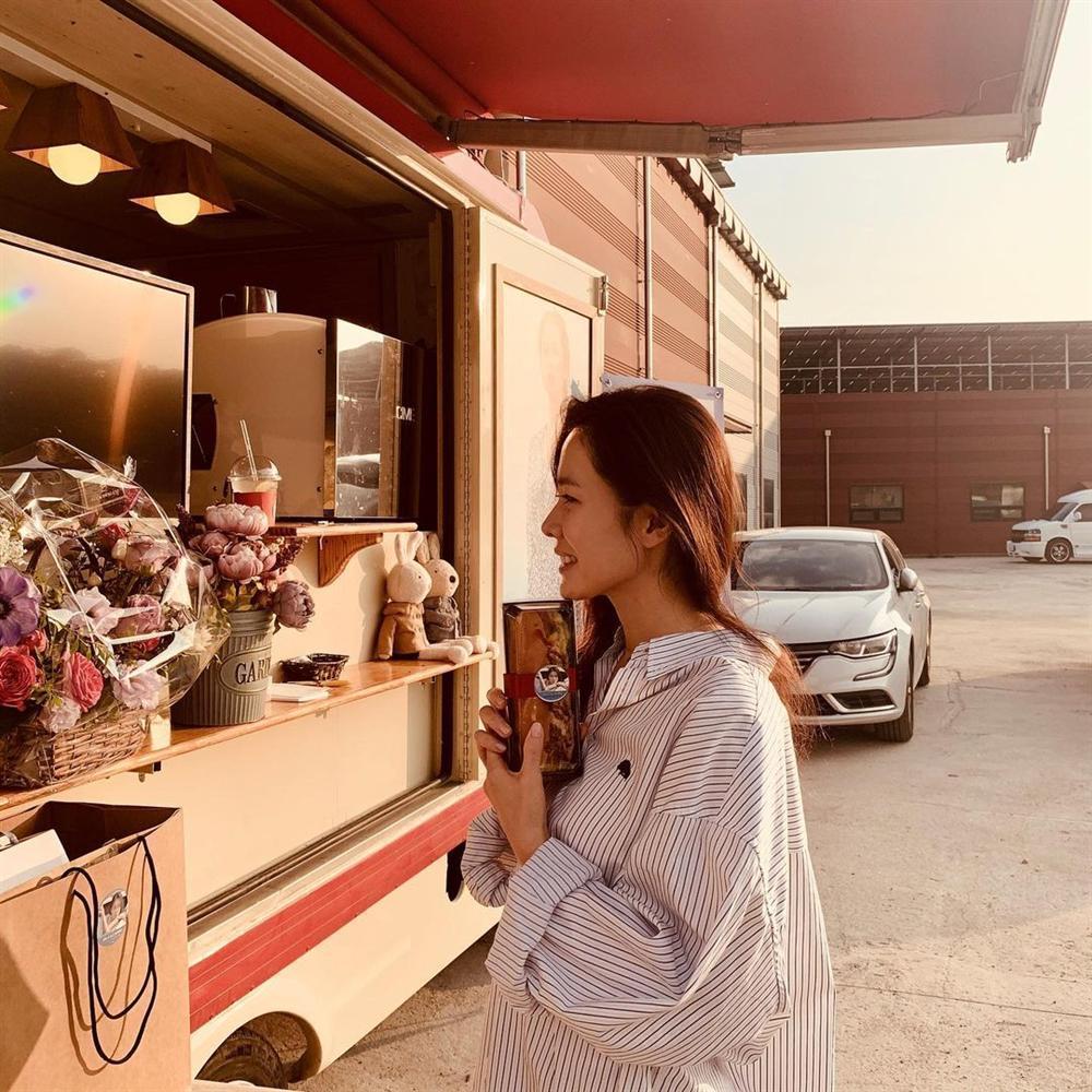 Hyun Bin nói về Son Ye Jin: Lần đầu gặp đã bị sự tinh tế của cô ấy chinh phục-12