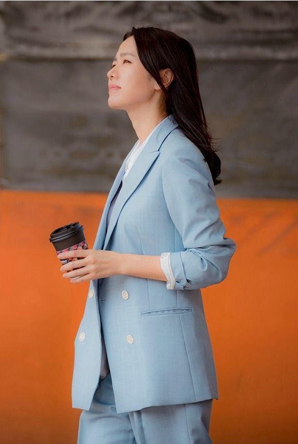 Hyun Bin nói về Son Ye Jin: Lần đầu gặp đã bị sự tinh tế của cô ấy chinh phục-22