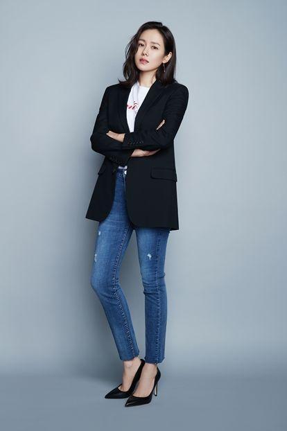Hyun Bin nói về Son Ye Jin: Lần đầu gặp đã bị sự tinh tế của cô ấy chinh phục-24