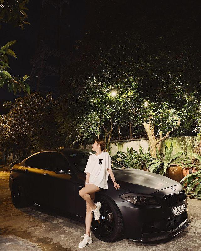 CEO Tống Đông Khuê cùng bạn gái rich kids khoe siêu xe đôi, trị giá sương sương chục tỷ-5