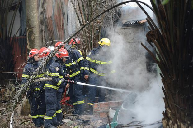 Cháy lớn lán gửi xe gần chung cư Xa La - Hà Đông-2