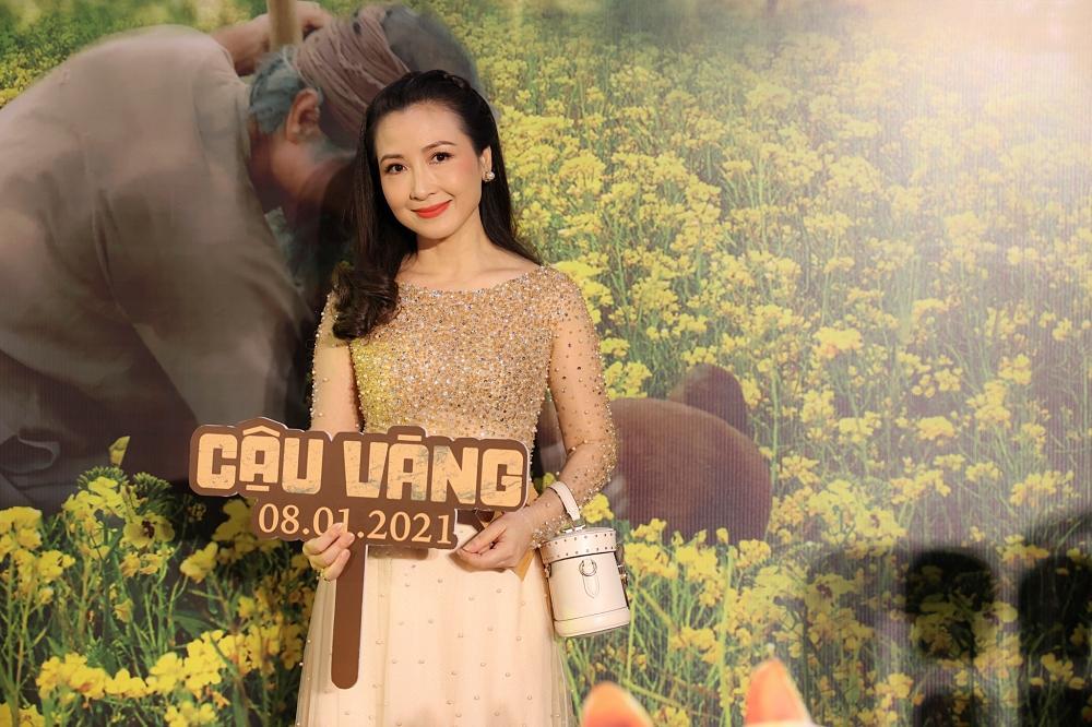 Vợ chồng Tăng Thanh Hà cùng gia đình đại náo thảm đỏ ra mắt phim Cậu Vàng-10