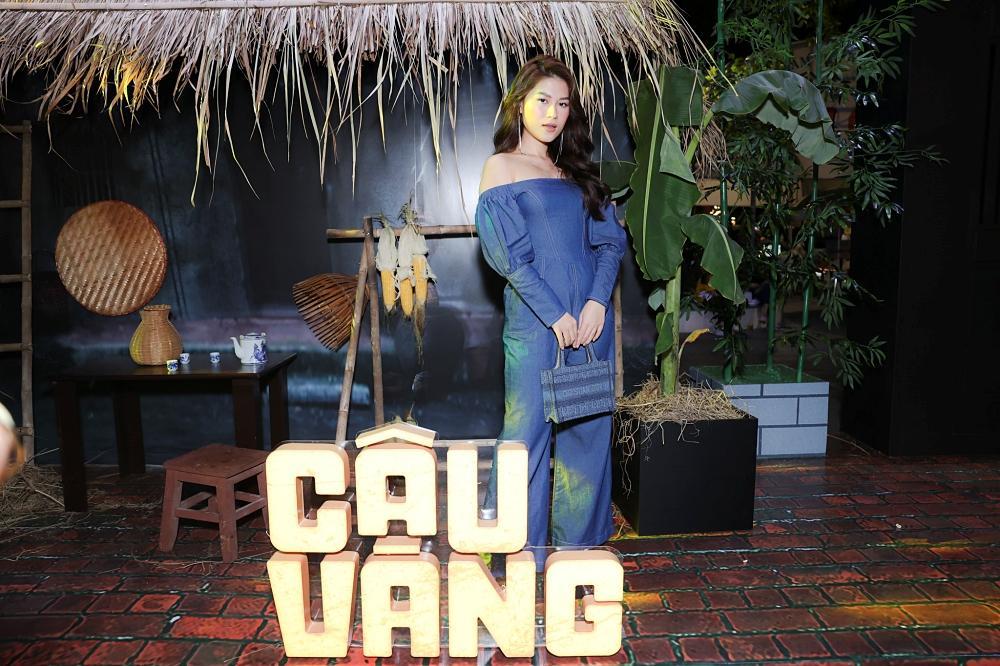 Vợ chồng Tăng Thanh Hà cùng gia đình đại náo thảm đỏ ra mắt phim Cậu Vàng-18