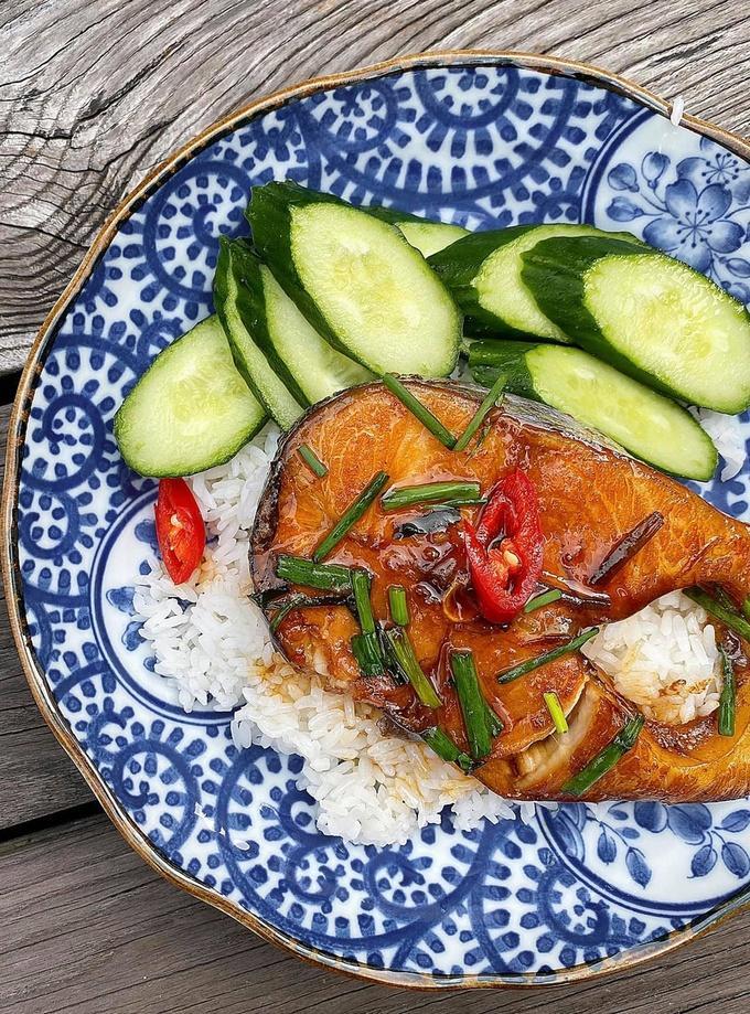 Cá hú kho tộ với đường dừa của Tăng Thanh Hà-2