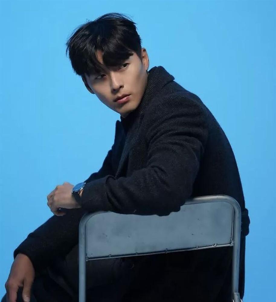 Netizen khen ngợi Hyun Bin đẹp trai hơn khi hẹn hò Son Ye Jin-1