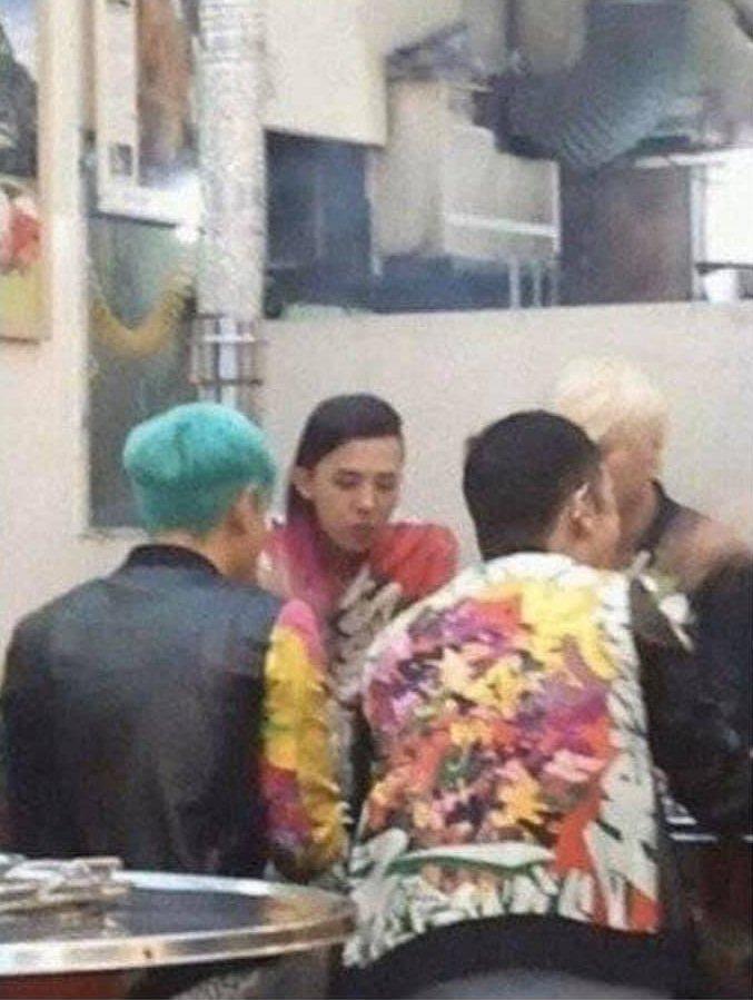 Dàn sao Hàn hạng A trông thế nào khi bị bắt gặp tại quán ăn bình dân?-3