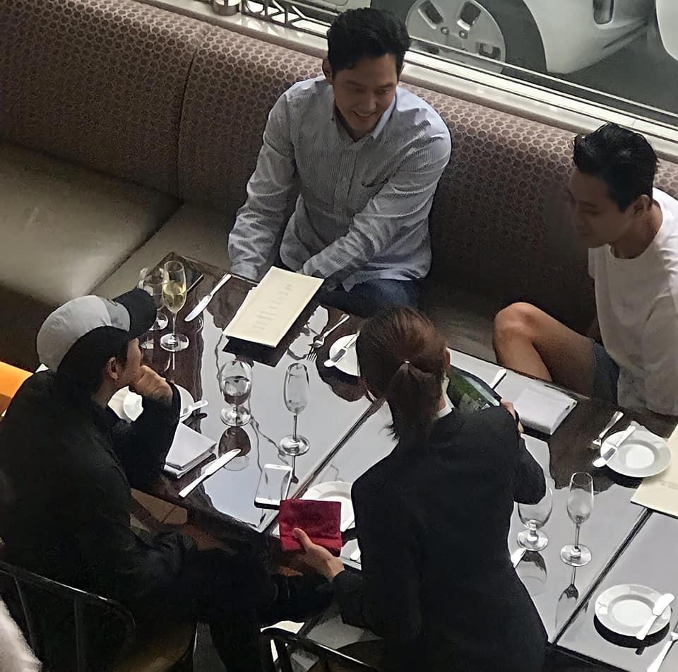 Dàn sao Hàn hạng A trông thế nào khi bị bắt gặp tại quán ăn bình dân?-10