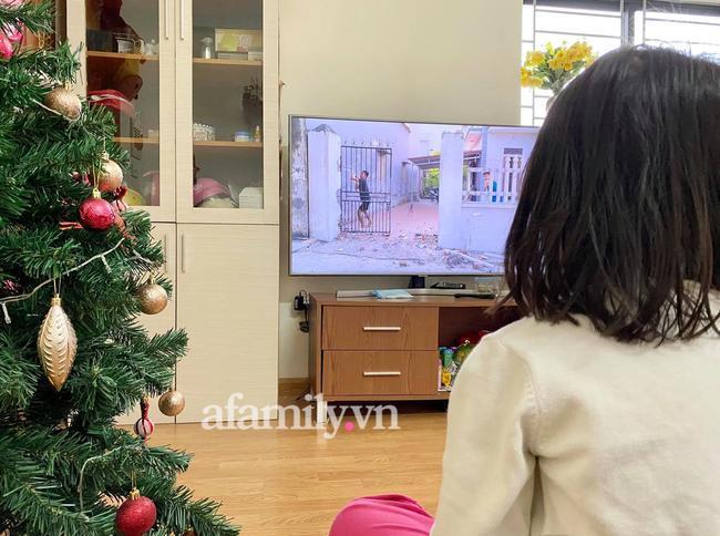 Kênh Youtube cho trẻ nội dung nhảm nhí: Thử thách đập vỡ TV, phá nhà cửa cho vui-1