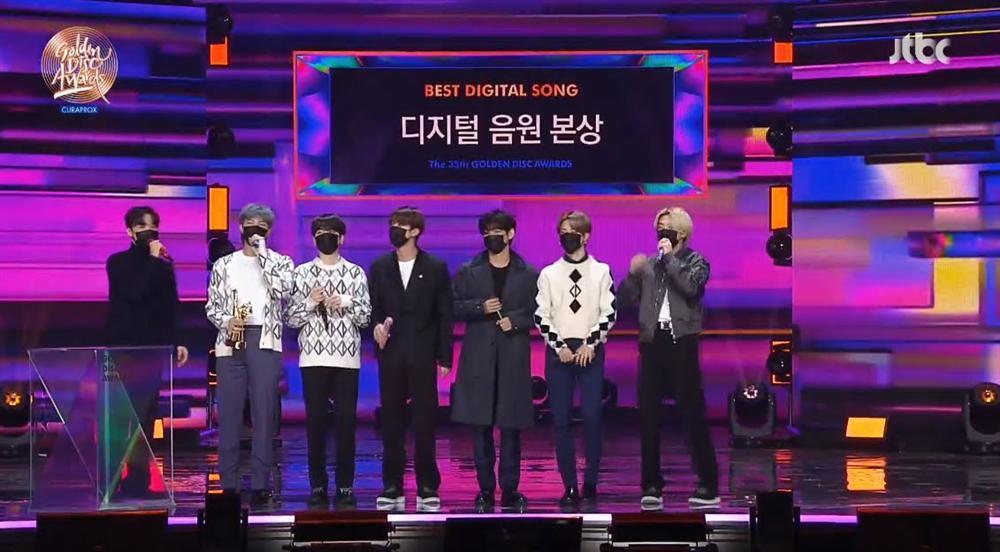 Golden Disc Awards Day 1: IU giật Daesang Digital, Jungkook tóc bạch kim náo loạn MXH-4