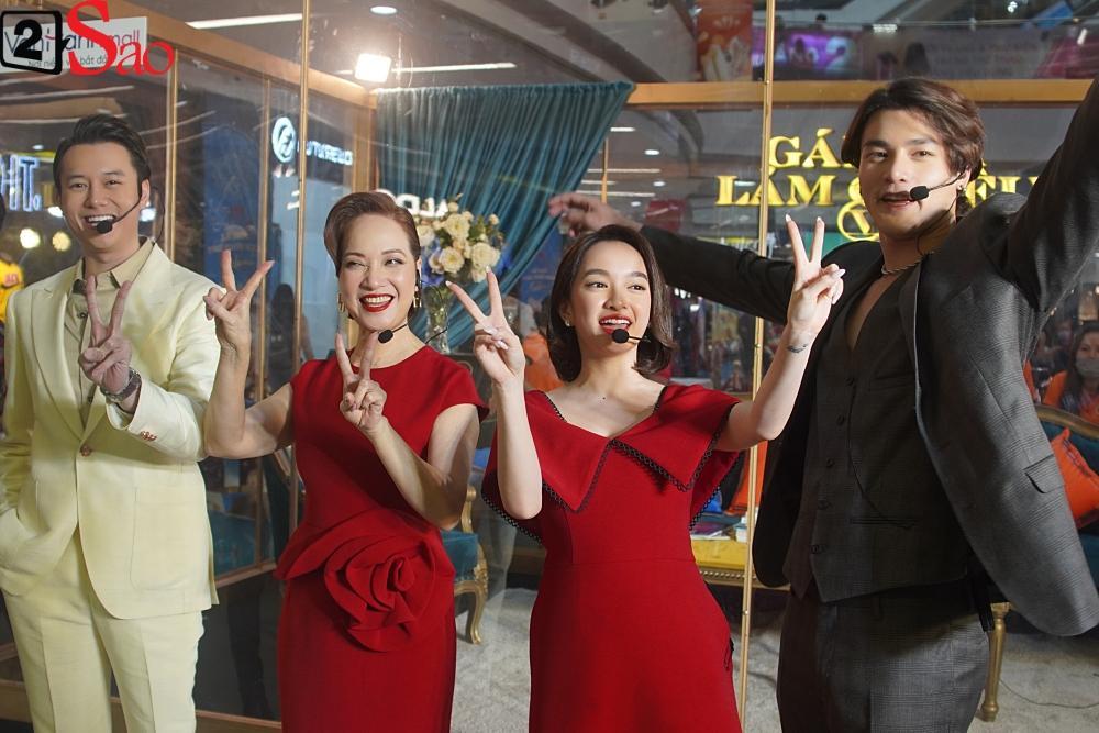 Kaity Nguyễn và dàn sao Gái già lắm chiêu V bị nhốt trong lồng kính giữa trung tâm thương mại-1