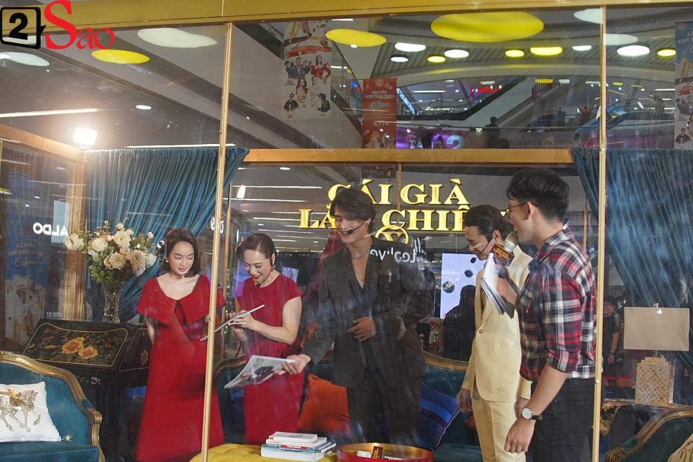 Kaity Nguyễn và dàn sao Gái già lắm chiêu V bị nhốt trong lồng kính giữa trung tâm thương mại-2