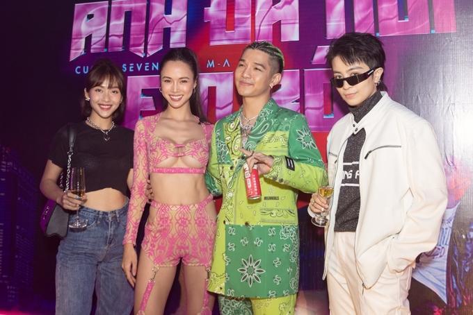 Vũ Ngọc Anh mặc đồ xuyên thấu như nội y trong tiệc sinh nhật Cường Seven-5
