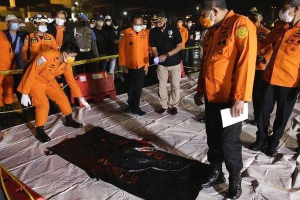 Đã xác định được địa điểm máy bay Indonesia rơi-1