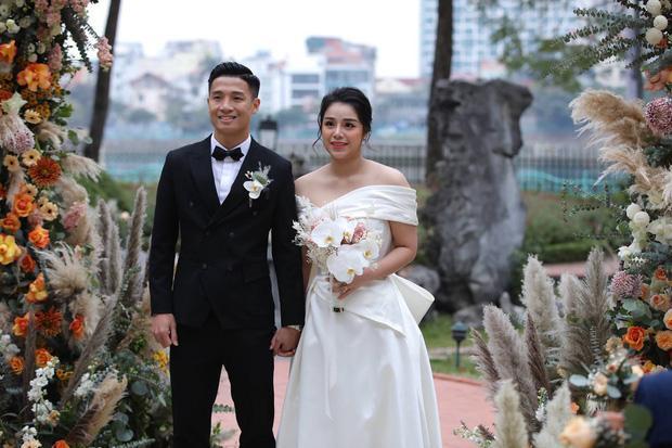 Lộ thực đơn xịn sò trong đám cưới lần 3 của Bùi Tiến Dũng ở khách sạn hạng sang-1