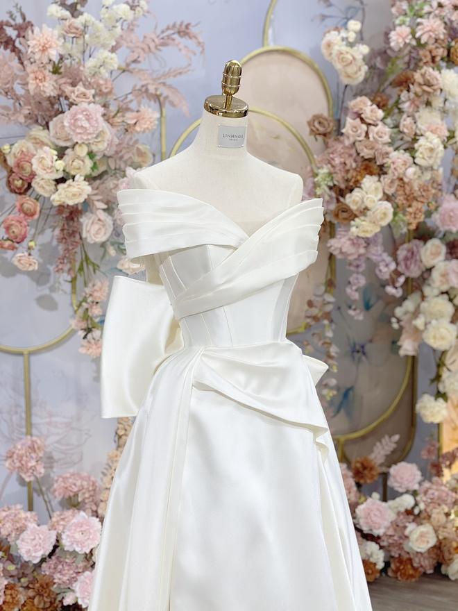 Bà xã Bùi Tiến Dũng chi 1,7 tỷ đồng cho váy cưới trong 3 lần tổ chức hôn lễ-2