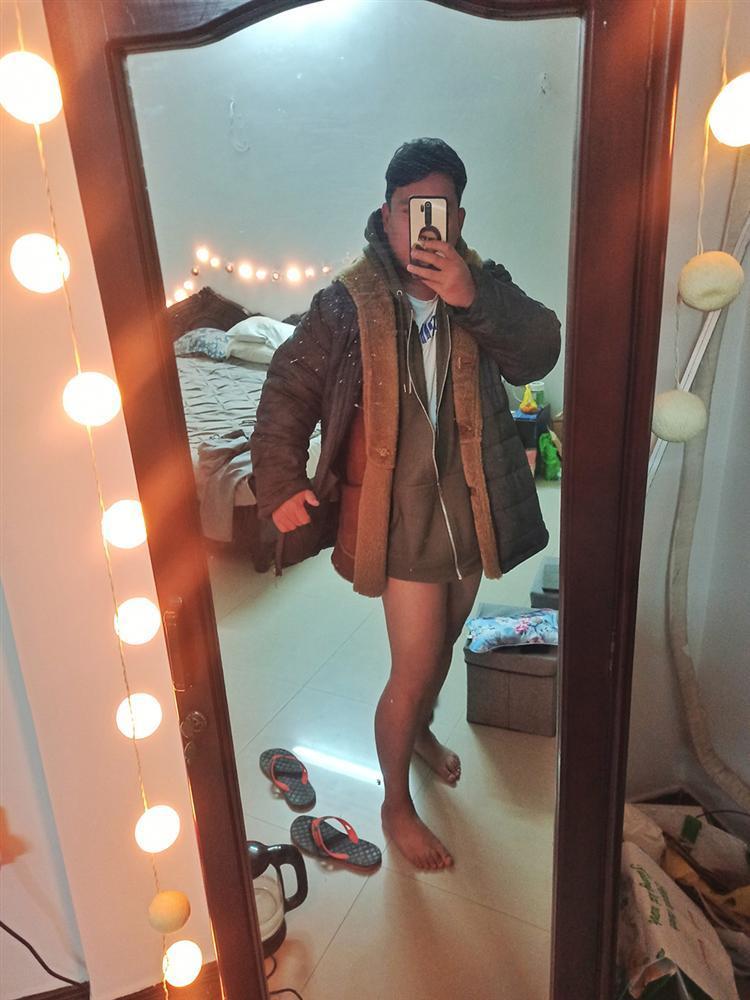 Người đàn ông nước ngoài cosplay thời trang mùa đông của nhiều thiếu nữ Việt-1