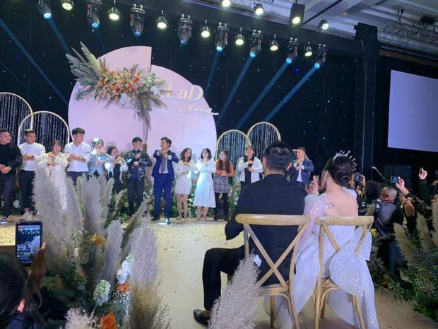 Nhún nhảy cùng Quang Hải, Xuân Trường suýt sấp mặt tại đám cưới Bùi Tiến Dũng-2