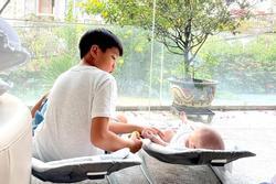 Hành động cực tình cảm của Subeo dành cho em sơ sinh