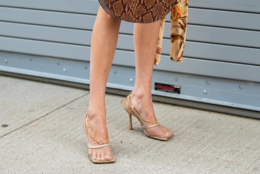 Người có bàn chân rộng nên đi giày gì?-1