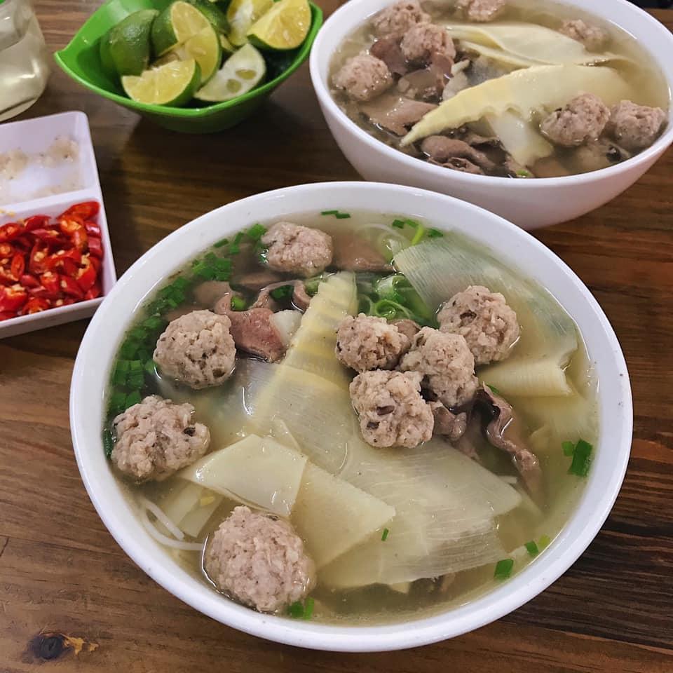 Chưa đầy 100m mà ăn cả thế giới ở ngõ Đào Duy Từ, Hà Nội-4