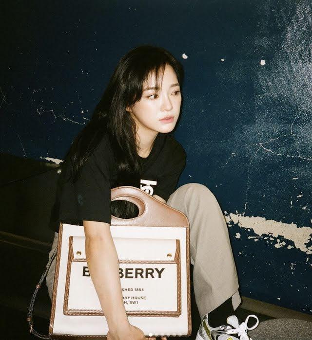 Kim Sejeong lên tiếng khi bị tấn công vì quá thân thiết với Sehun EXO-2