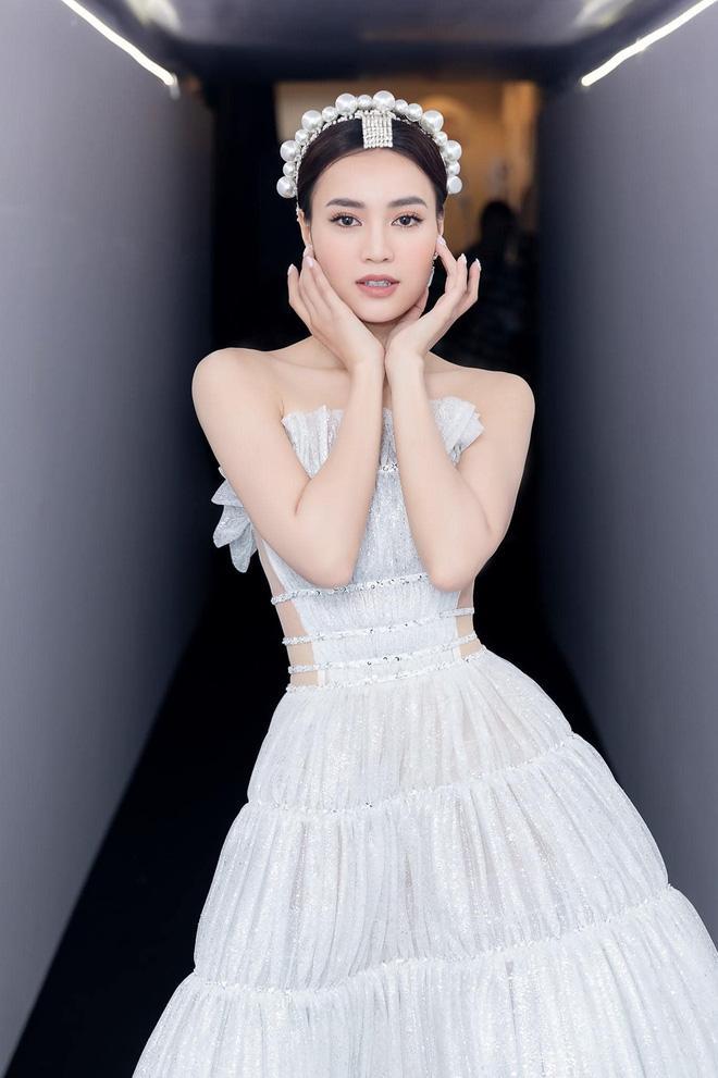 Cùng đeo chiếc bờm thị phi: Tóc Tiên - JiSoo diện lung linh, Lan Ngọc bị nghi hàng fake-3