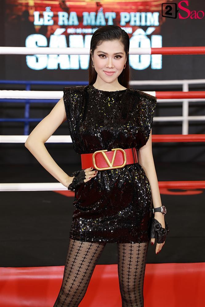 Trương Hồ Phương Nga rạng rỡ bên các võ sĩ 6 múi tại sự kiện ra mắt phim Sám hối-7