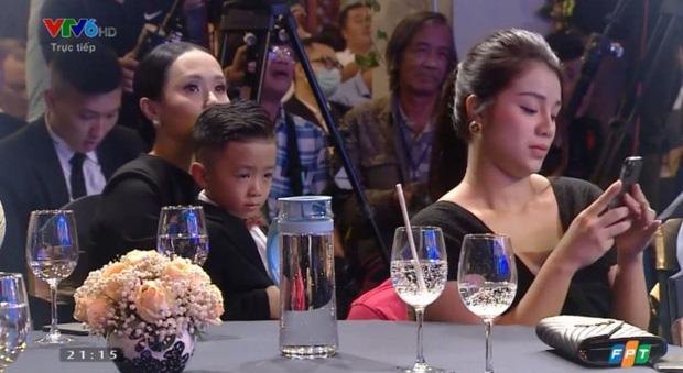 Khánh Linh - vợ Bùi Tiến Dũng lần đầu xuất hiện sau đám cưới, nhan sắc tăng lên vài chân kính-2