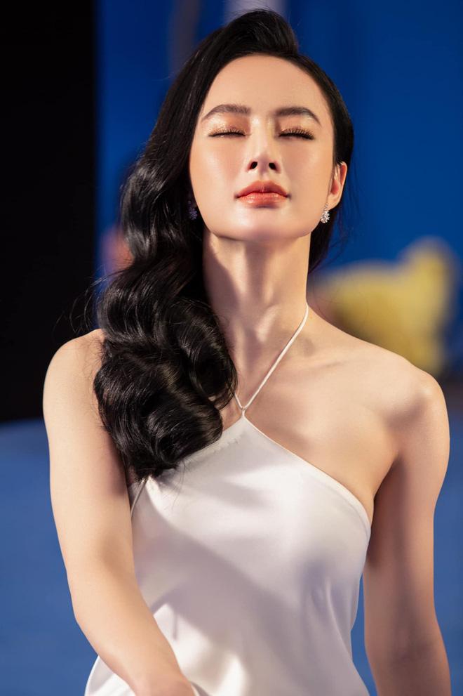Hết ảnh bán nude, Angela Phương Trinh khoe thềm ngực mơn mởn gây tranh cãi-1