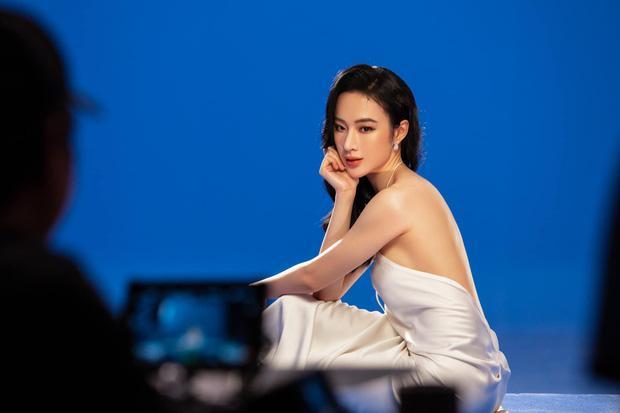 Hết ảnh bán nude, Angela Phương Trinh khoe thềm ngực mơn mởn gây tranh cãi-3