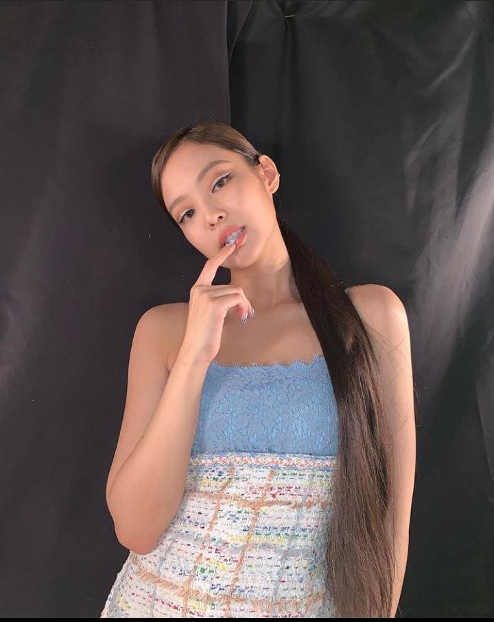 3 dáng pose đặc trưng của Jennie BLACKPINK có ngay ảnh triệu like-13