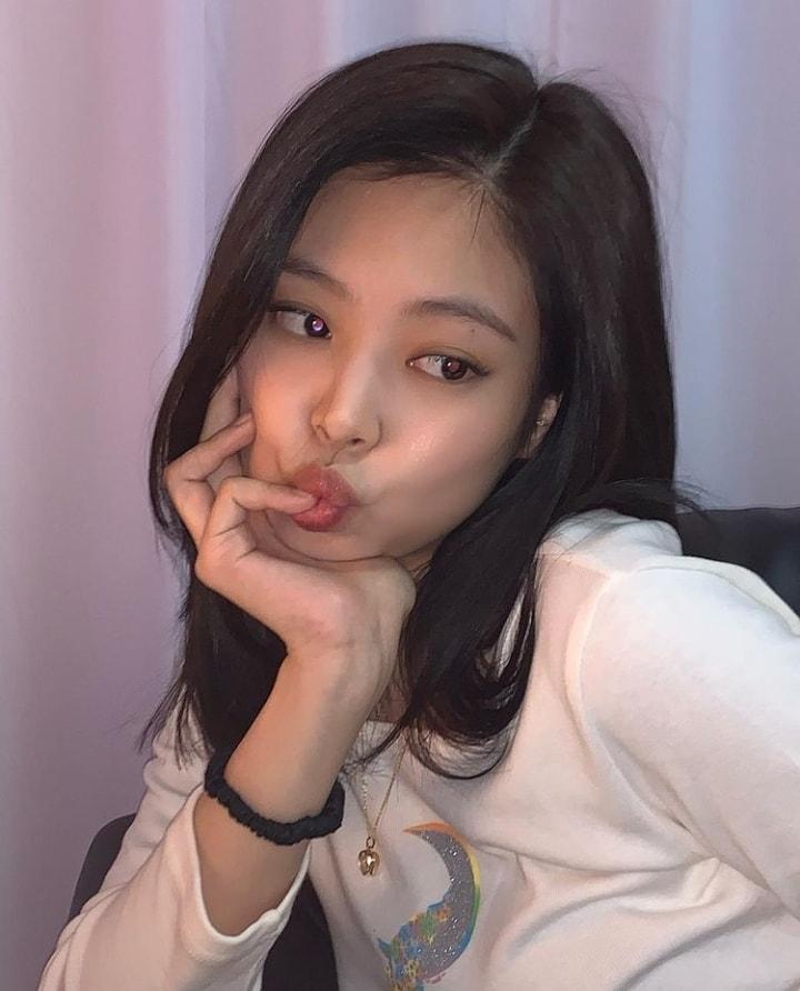 3 dáng pose đặc trưng của Jennie BLACKPINK có ngay ảnh triệu like-5