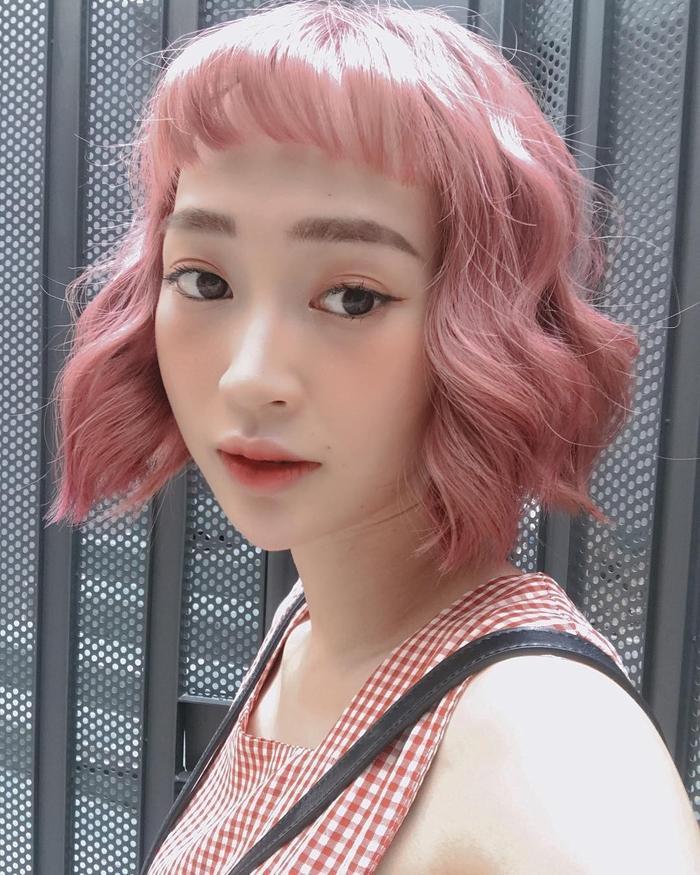 Mâu Thủy lột xác mạnh mẽ với tóc hồng rực giống Thúy Ngân, Vũ Ngọc Anh-8