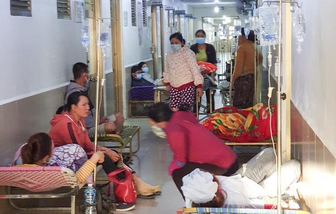 82 công nhân phải nhập viện sau bữa cơm chay-1
