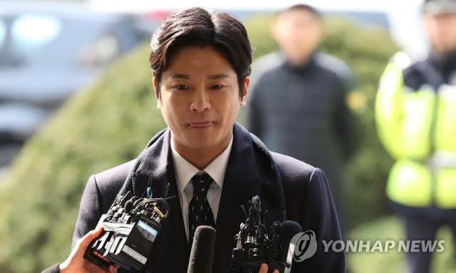 Nạn nhân vụ hành hung của Seungri lật mặt tố cáo Hyoyeon SNSD-1