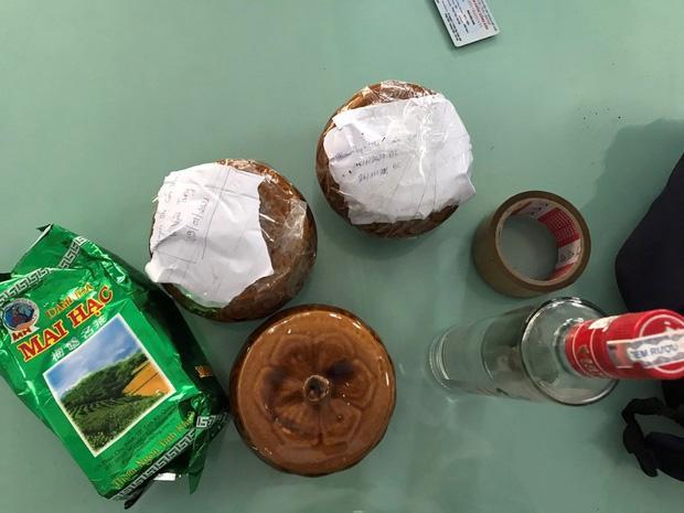 2 hũ gốm nghi đựng tro cốt bị bỏ quên tại quán ăn ven đường ở Đà Nẵng-1