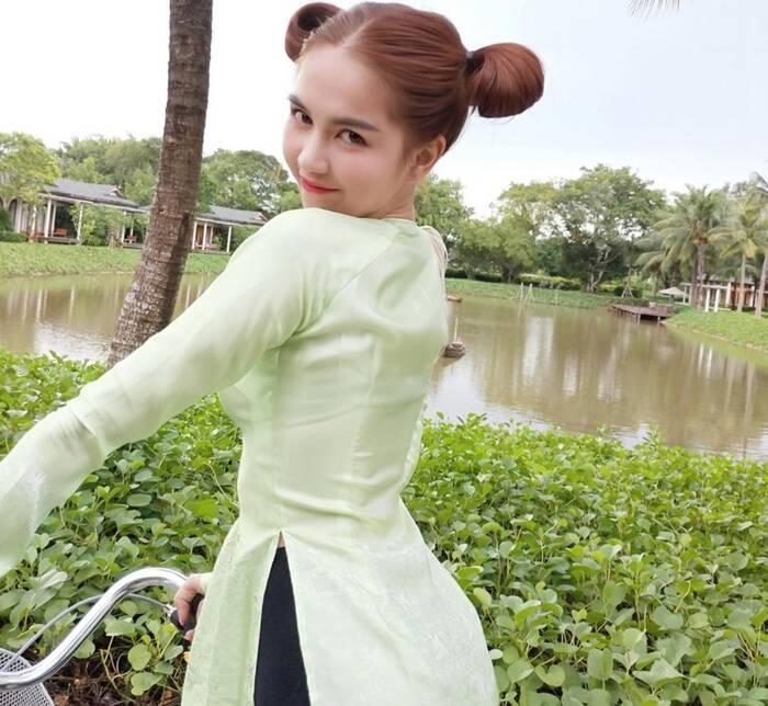 3 kiểu tóc hack tuổi' giúp Ngọc Trinh nhìn trẻ như gái 18-4
