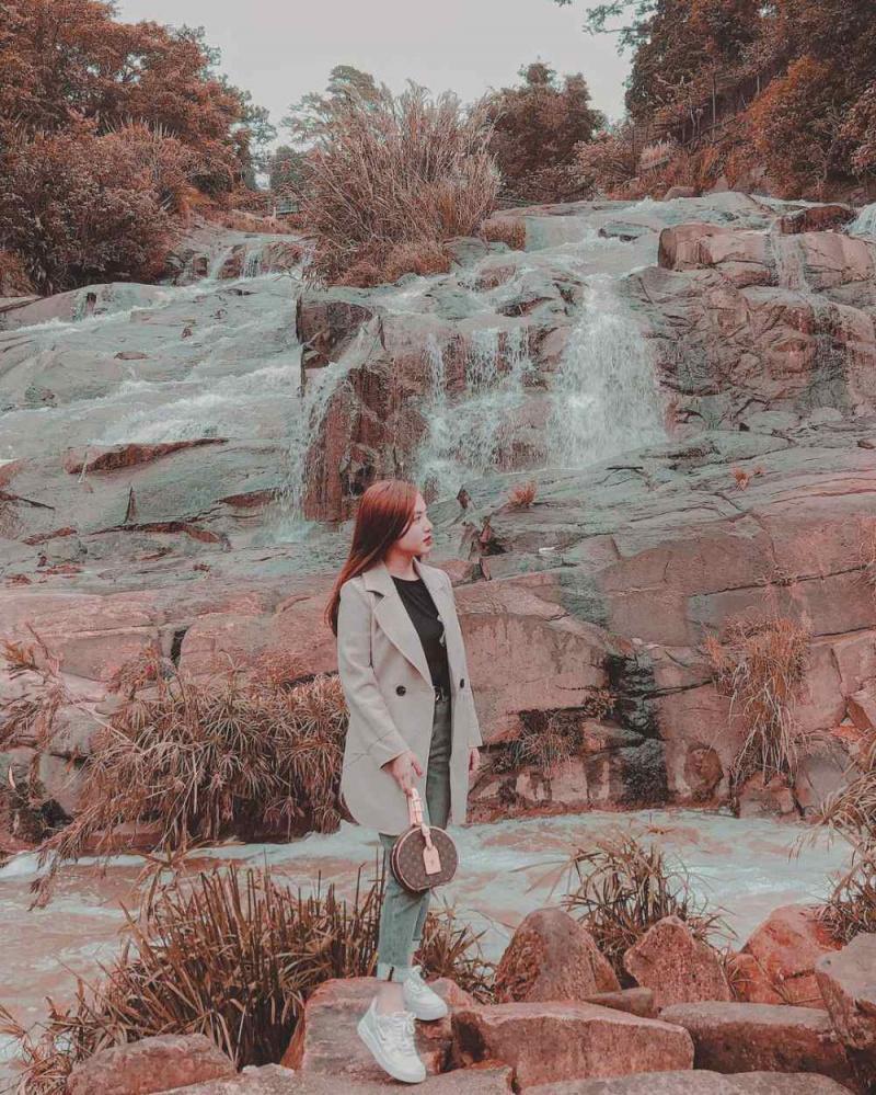 Phải lòng bức tranh tuyệt sắc với 5 thác nước đẹp nhất Đà Lạt-10