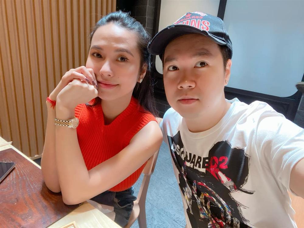 Cuộc sống hôn nhân của ca sĩ Lê Hiếu và hotgirl 9X-15
