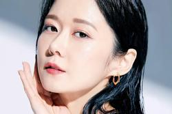 Jang Nara khoe làn da đáng mơ ước ở tuổi 40