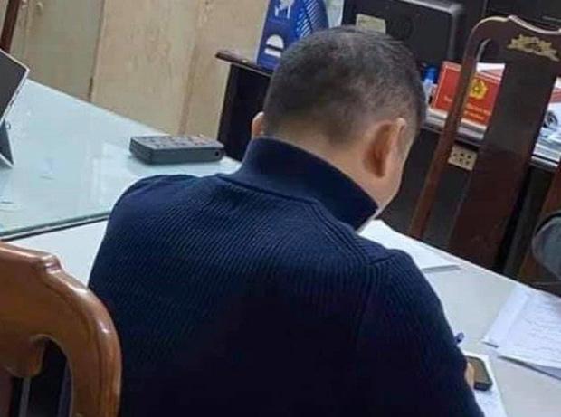 Vụ tài xế lên gối đánh người tại ngã tư Hà Nội: Nạn nhân thừa nhận chửi tài xế trước-1