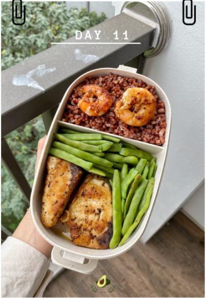Nhìn hộp cơm ăn theo chế độ Eatclean của nàng sinh viên, ai cũng có động lực giảm cân-11