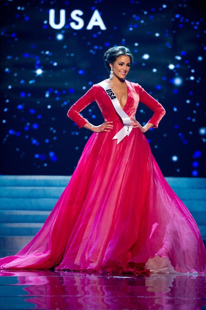 Những Hoa hậu Hoàn vũ lên ngôi với tuyệt tác đầm đỏ trong 2 thập kỷ qua-9