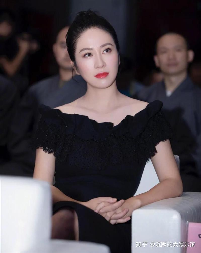 Hoa hậu Diệp Tuyền bị diễn viên gạo cội TVB bắt nạt khi mới vào nghề-6
