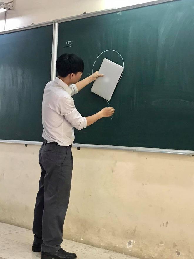 Loạt ảnh bá đạo khi thầy cô giáo đua nhau bắt trend trào lưu thước kẻ-9