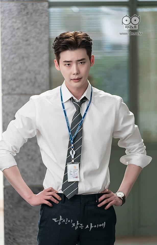 Cát xê của Song Joong Ki cao đến mấy vẫn lép vế trước mỹ nam này-1