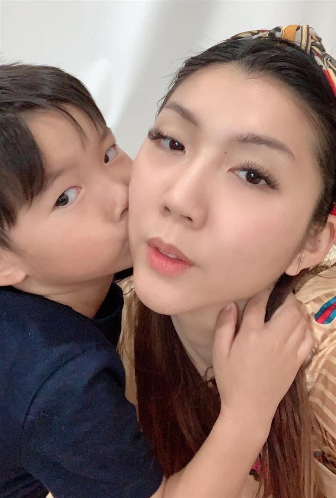 Ngoại hình con trai 5 tuổi của Ngọc Quyên và chồng cũ Việt kiều-6