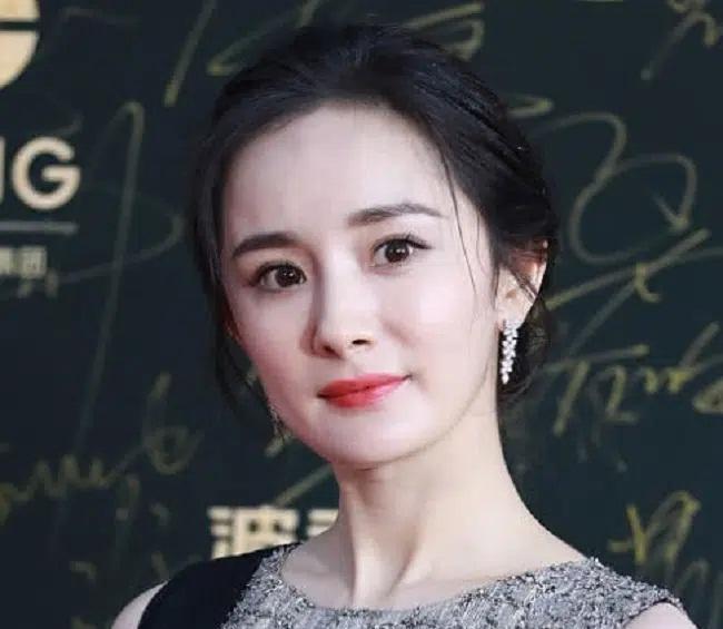 Cận cảnh gương mặt dàn mỹ nhân Hoa ngữ: Dương Mịch, Triệu Lệ Dĩnh lộ rõ dấu hiệu lão hóa-2